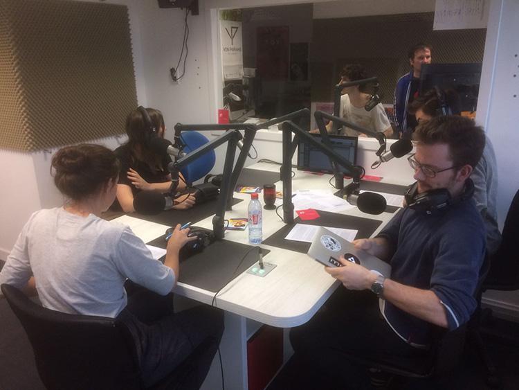 01-radio